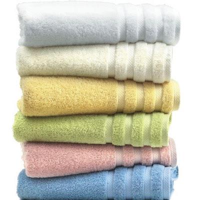 Clique e confira estas e outras toalhas no site Leopardi.