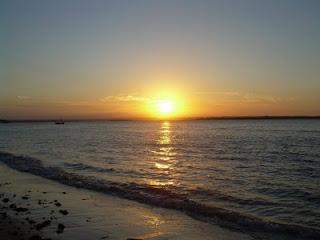 fim de tarde na praia da gamboa