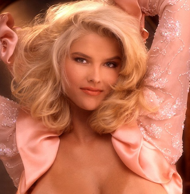 ANNA NICOLE SMITH Miss May 1992; Playmate Of The Year 1993