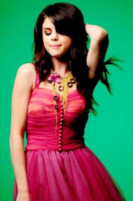 Selena Gomez Naturally Video on El Blog Del Ocio  Fotos Del Video Naturally De Selena Gomez