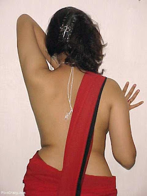 Aunty wear only saree