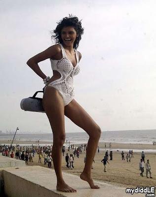 sherlynchopra belly in bikini