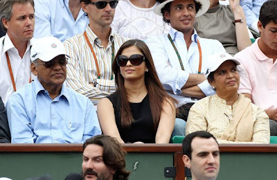 Aishwarya Rai watching Tennis game in audience