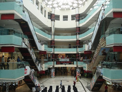 ambience mall ambiance ambi amby gurgaon new delhi shopping christmas discount, festival security fitness gym bowling alley winter carnival season sale