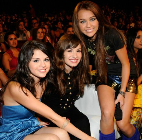 selena gomez taylor swift demi lovato miley cyrus. selena gomez and demi lovato