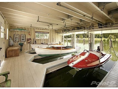Country star alan jackson 39 s whopper of a mansion for sale for Boat house plans pictures