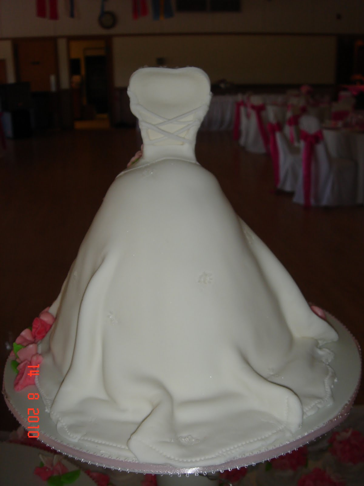 cup n 39 cakes gourmet wedding dress and tuxedo mini cake