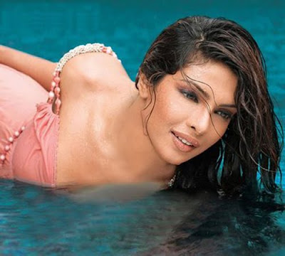 Priyanka Chopra Hot In Water