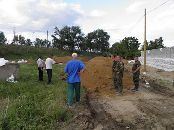 Coordonare Apele Romane, in operatiunea de suprainaltare a digului