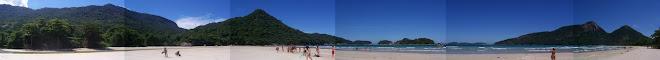 Praia Dois Rios panorámica