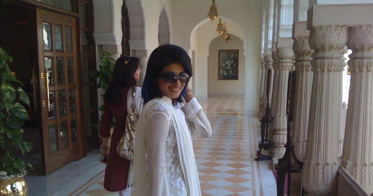 Priyanka Chopra : Real life pictures
