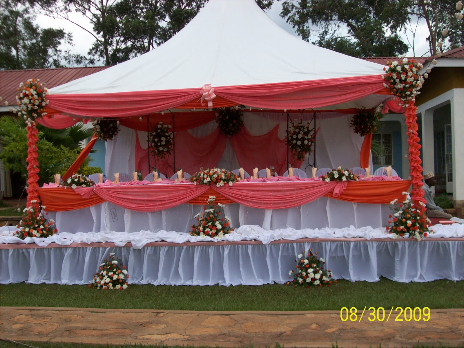 Wedding and party decorations pictures king of uganda for Decoration pictures