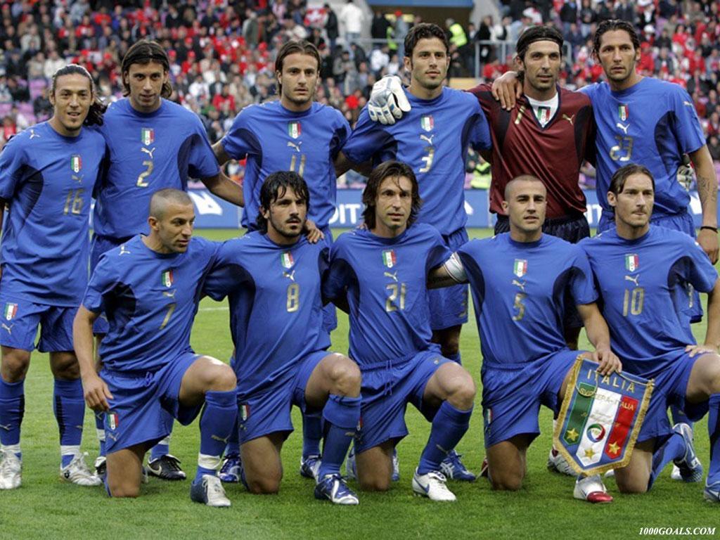 http://4.bp.blogspot.com/_btStqF66eH0/TS5JinqFhmI/AAAAAAAACcI/NZTkri-Uow8/s1600/italia-italy-national-team-wallpaper.jpg