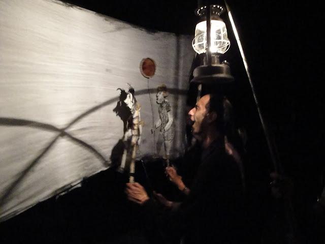 Théâtre d'ombres avec teatro Gioco Vita au Festival International de la Marionnette Saguenay 2010