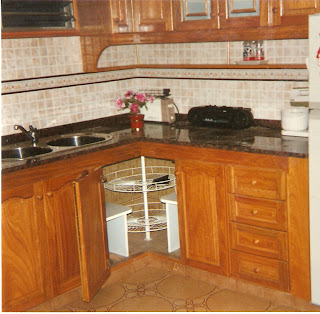 Bellas artes amoblamiento de cocina for Esquineros de madera para cocina