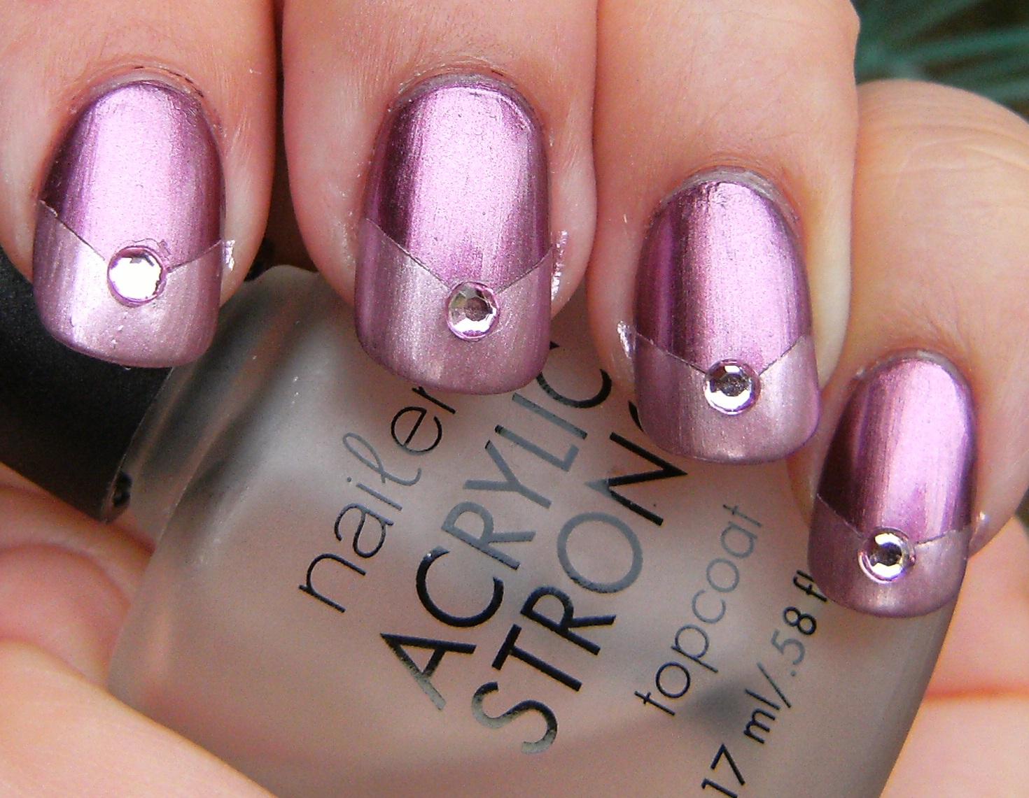 http://4.bp.blogspot.com/_bvQ4YJ17888/TCTu5YAgF6I/AAAAAAAAQ0U/q9xqdxG1rik/s1600/sally+hansen+anemone++diamond+chrome+and+fiery+pink+diamond+chrome+chevron+tips+----deez-nailz---+%2814%29.JPG