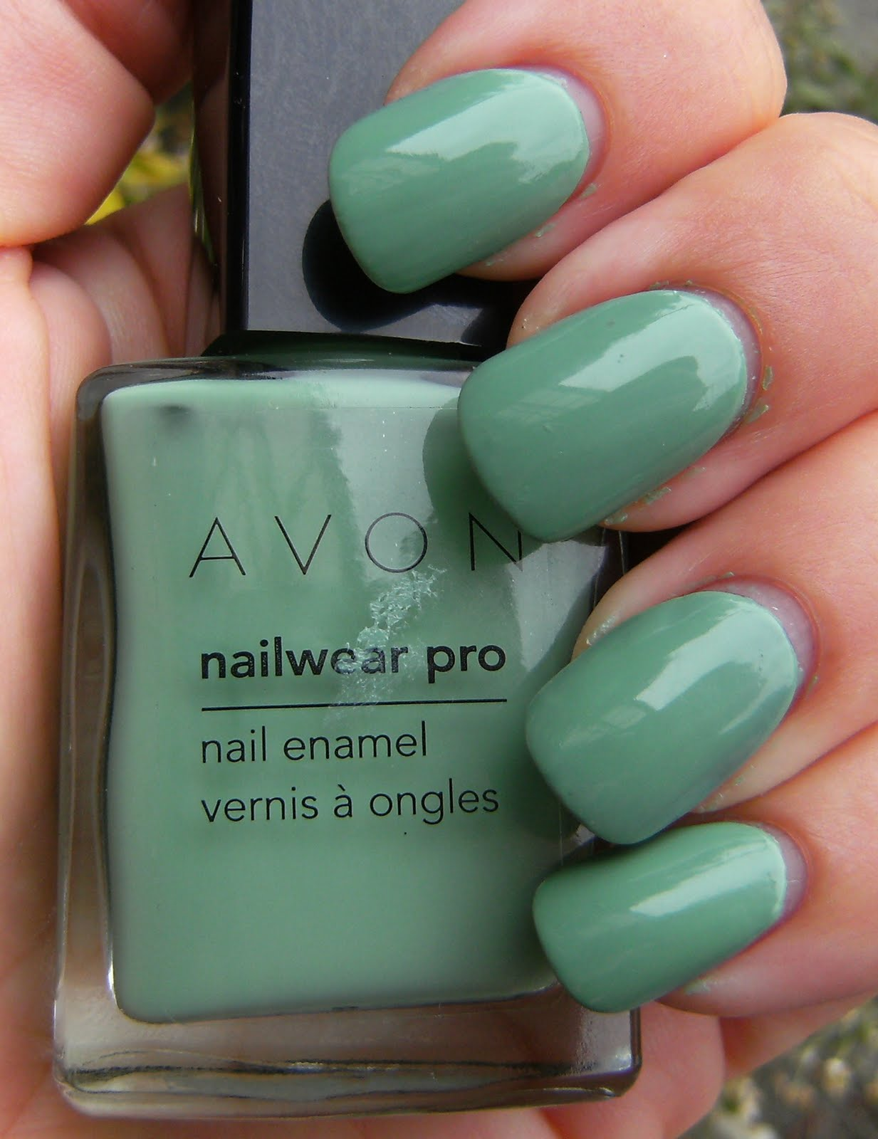 Deez Nailz: ♥ Wet n\' Wild Disturbia and Avon Jade ♥