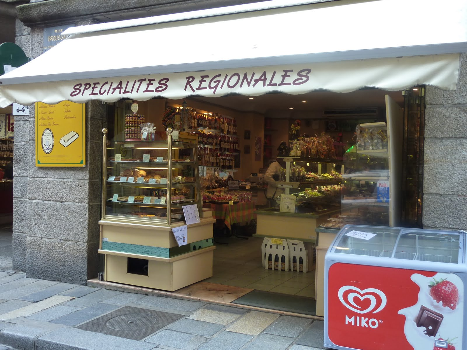 Pink slip gourmet st malo food shops for Cuisine store