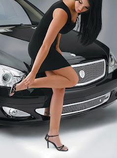 Strut Mercedes-Benz girl 2