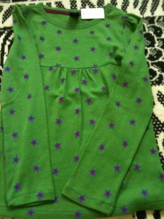 Gap Green Star(size : s suitable for 6-7 y)