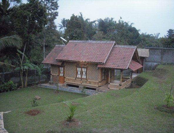 Semi Rumah Bambu
