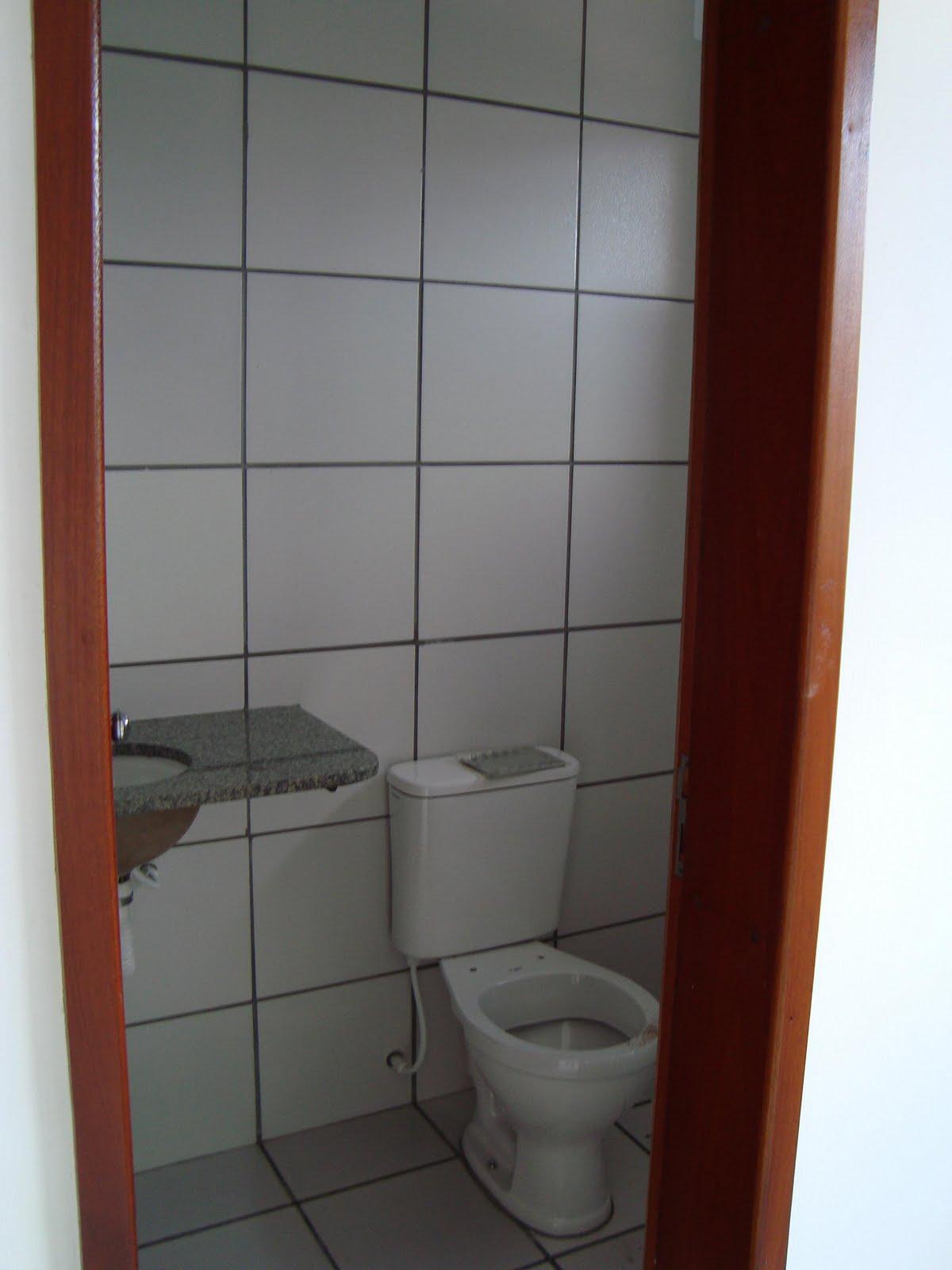 Imagens de #6D3727 Antes: Parede revestida por ceramica e bancada em granito. 1200x1600 px 3676 Banheiros Revestidos Simples