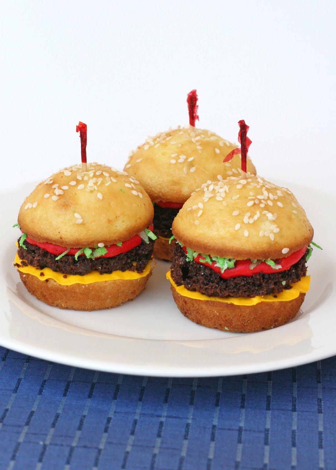 Hamburger cupcakes ... So cute! | Nom, Nom, Nom | Pinterest