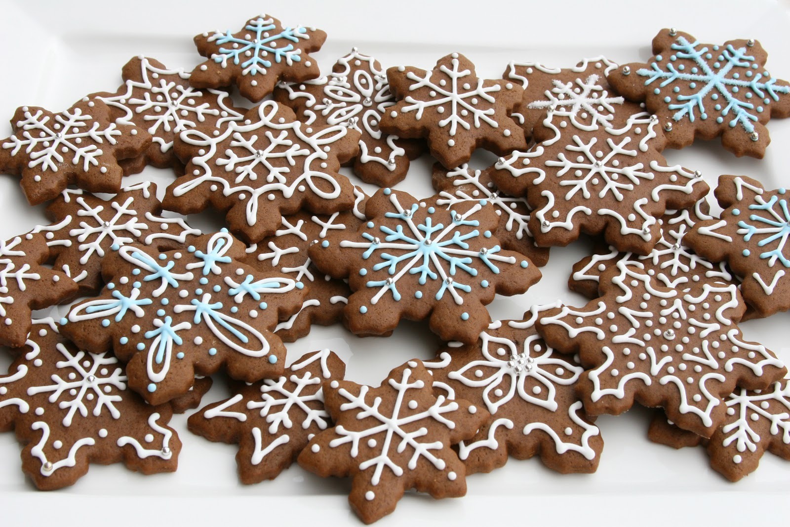 Gingerbread Cookies {Recipe} – Glorious Treats