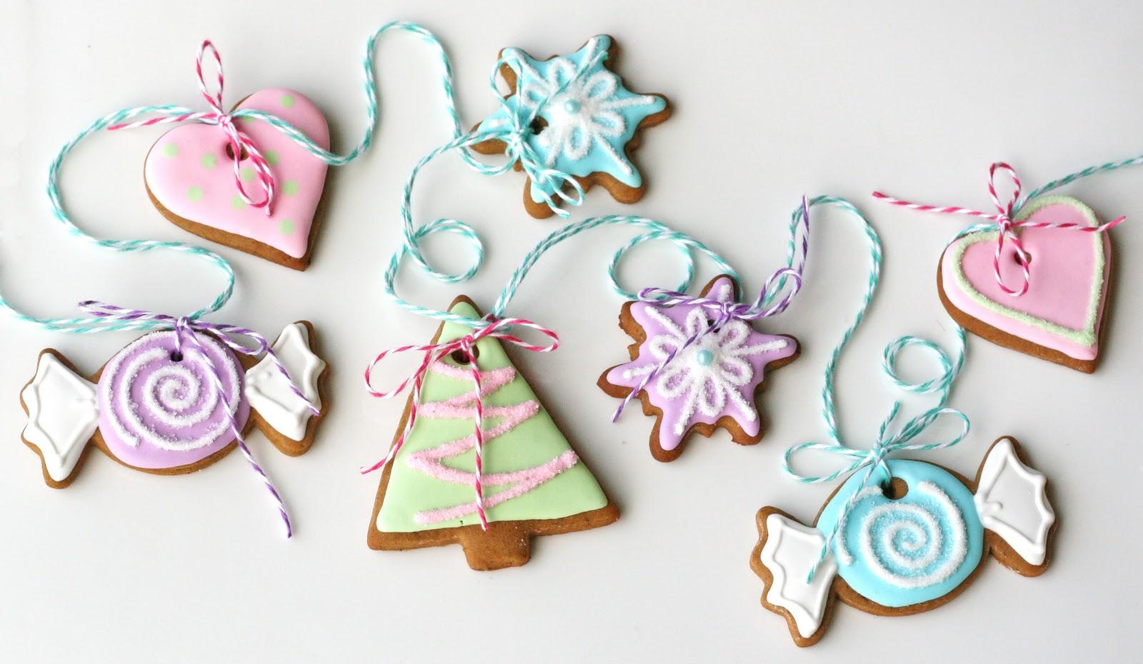 Sweet Gingerbread Garland – Glorious Treats
