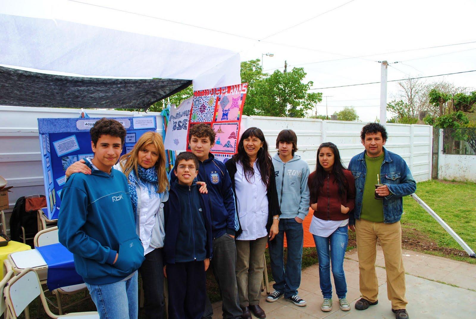 Escuela De Artes Visuales Amuyen Feria Cultural En