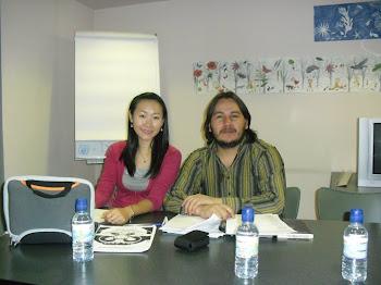 Recital de poesía con Juran Zhu en la biblioteca publica de Usera