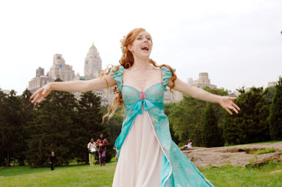 Amy Adams singing in a Princess gown singing her way across the meadow in Central Park, New York as Giselle in a scene from 'Enchanted'