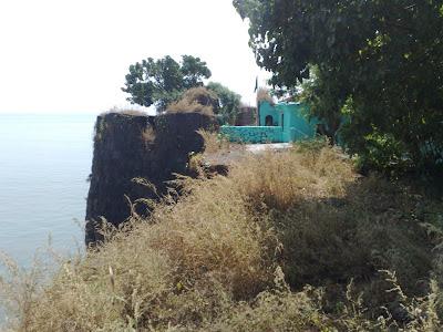 Hajrat Haji Kamal Udinshah Darbar – Dargah – Alibag Fort.