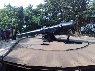 Two Awesome Cannons - Cannon Hill, Elephanta