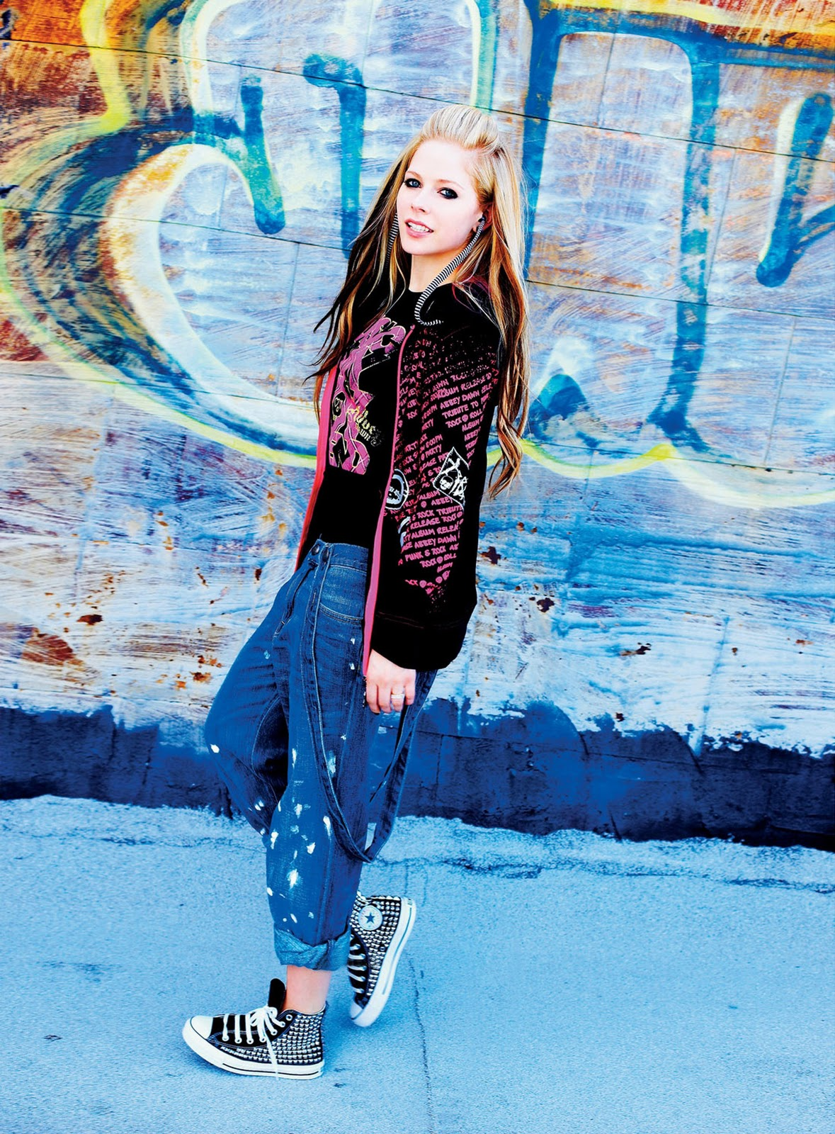 ������� ������������ avril lavigne 76903_celebrity-paradise.com-The_Elder-Avril_Lavigne_-_Abbey_Dawn_Clothing_Line_Shoot_2010_122_214lo.jpg