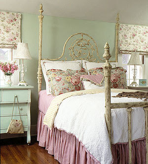 Cottage Bedroom Furniture on Romantic Design Dreaming Of A Shabby Chic Cottage Decorating Wallpaper