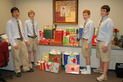 Middle School Sponsors Three Families for Christmas 1