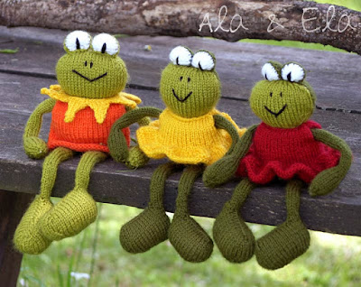 Knitted Toys Knitted Frog Buddies