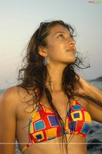 actress boob show bikini babe rinku ghosh cleavage show