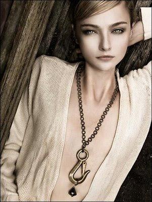 依身材穿衣(7)- 脖子粗或短的人穿衣打扮 (转载) - Jennifer - 雨夜相思客