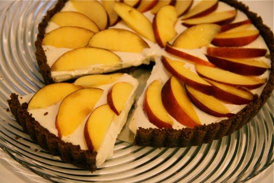 slice nectarine cheesecake gingersnaptart
