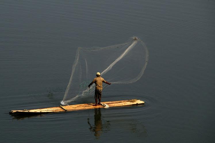 Menangkap Ikan di Walahar. 2010