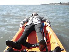 Descanso para alguns no Kayak...