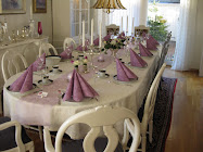 Vi har dekket bordet