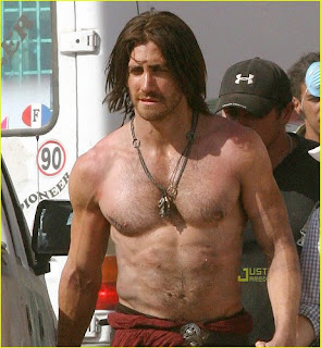 Jake Gyllenhaal shirtless on movie set