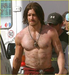 Jake Gyllenhaal shirtless on movie set