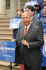 Bill Thompson speaking at rally of EMTs supporting him