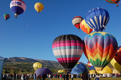 Hot Air Balloons Take Off Near Aspen Colorado id=