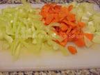 Pilaf de orez cu legume preparare reteta - ceapa, ardeiul si morcovul tocate
