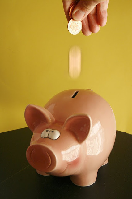 piggybank Having a Problem Saving Money to Travel?   The Solution For You